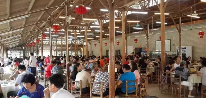 """【冬季约""""泡""""尖货】¥249龙门庄上庄温泉度假村直通车2天,包含两正餐一早餐,在山水绿野之间,享受无限次温泉"""