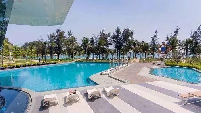 海陵岛北洛秘境度假酒店 · 畅享30层高无边际泳池!